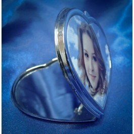 Зеркальце в форме сердца с вашим фото на крышке